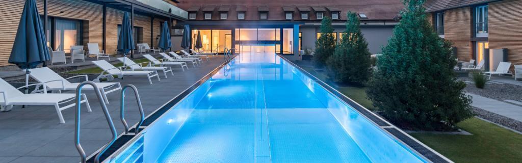 esm Edelstahl-Schwimmbecken