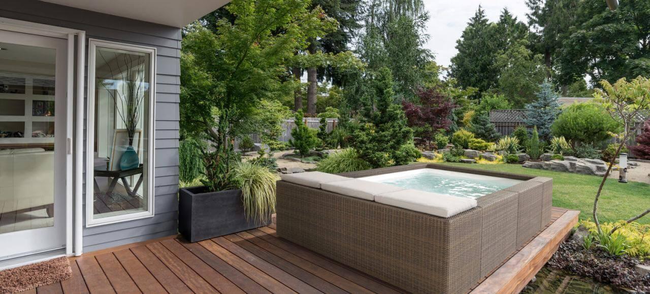 11PLAYA Lounge-Pool in Kaffeebraun